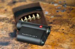 Leica Entfernungsmesser Rangemaster Crf 1200 : Kompakter entfernungsmesser von leica deutsches waffen journal
